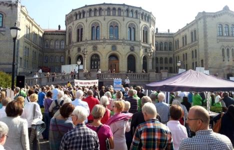 http://www.nettkirurgen.no/archive_blogny/2013/09/08/HTA07092013%2088253_demonstrasjon_h.jpg